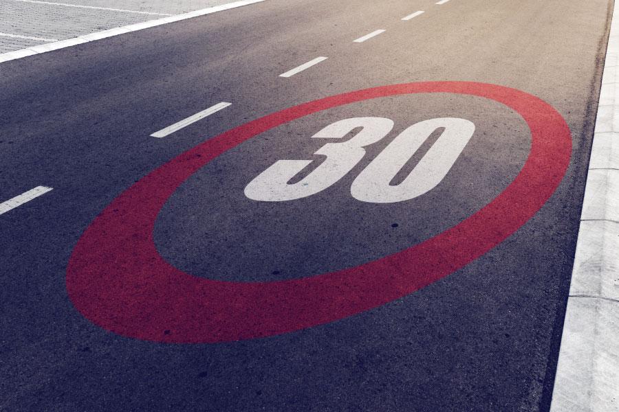 ¿Cuáles son los límites de velocidad en ciudad?